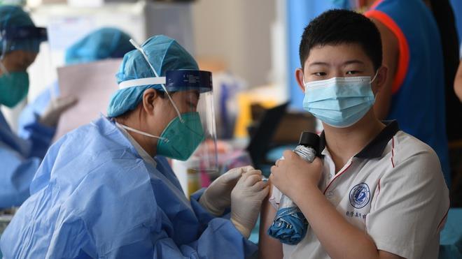 Tình hình tiêm vaccine cho trẻ em tại các nước trên thế giới - 2
