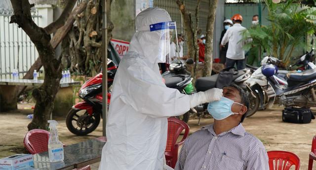 Khống chế dịch COVID-19 lây trong cộng đồng ở Đắk Lắk - Ảnh 4.